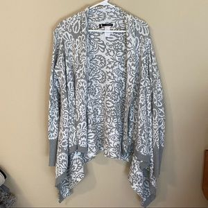 Cozy gray & white Maurices cardigan, size large